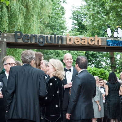 penguin-beach-canada-club
