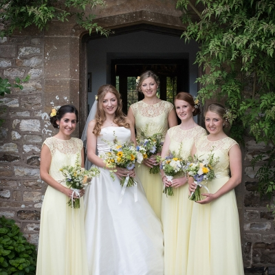 bride-and-bridesmaid-group