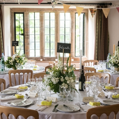 country-house-wedding-dinner-setting