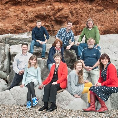 family-portrait-on-rocks