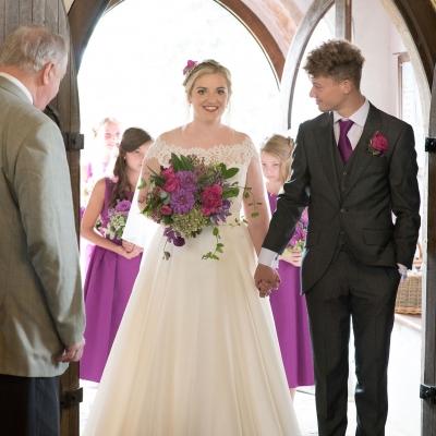 beuatiful-bride-farm-wedding