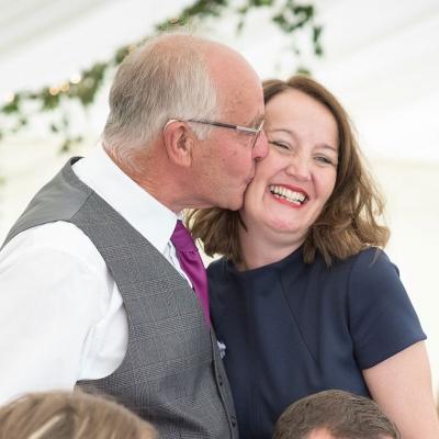 friends-family-farm-wedding