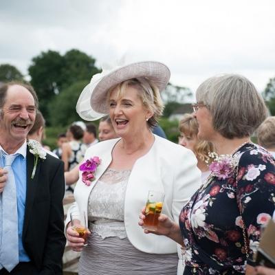happy-wedding-guests