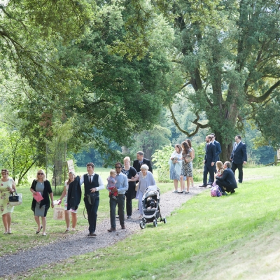 guests arriving tracey estate weddings