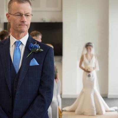 groom-waiting-photos