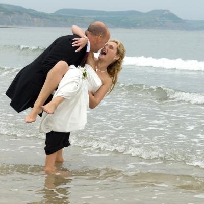 married-couple-sea